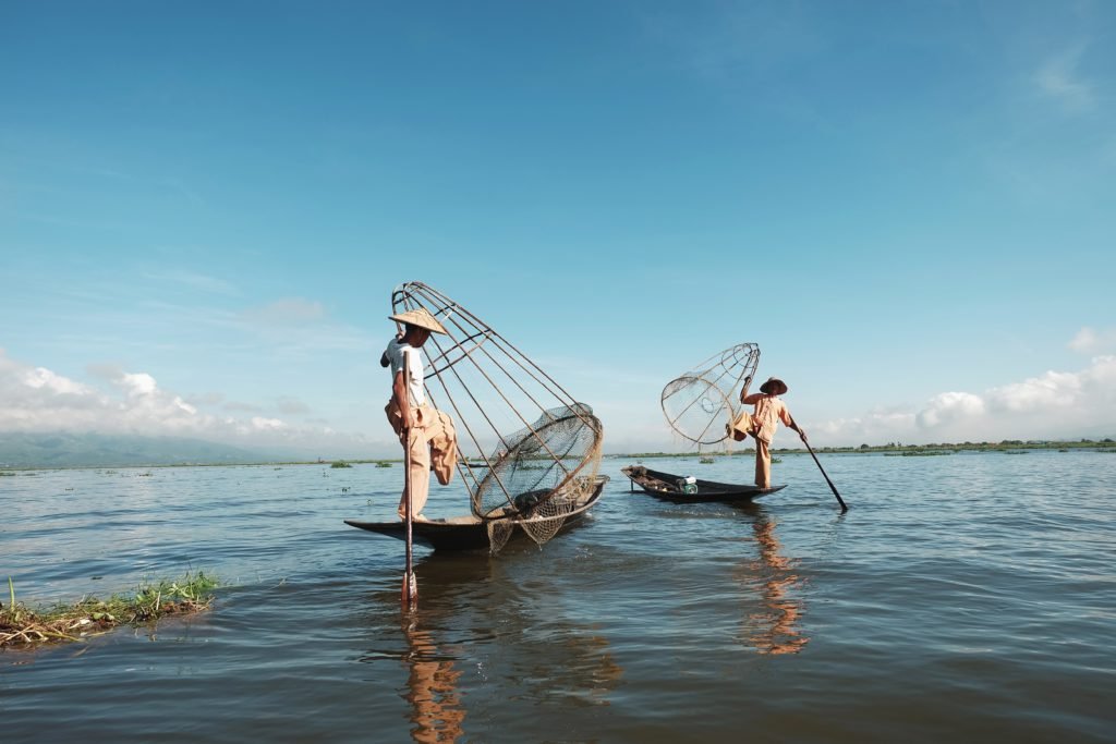 myanmar lake netting fishermen burma inle