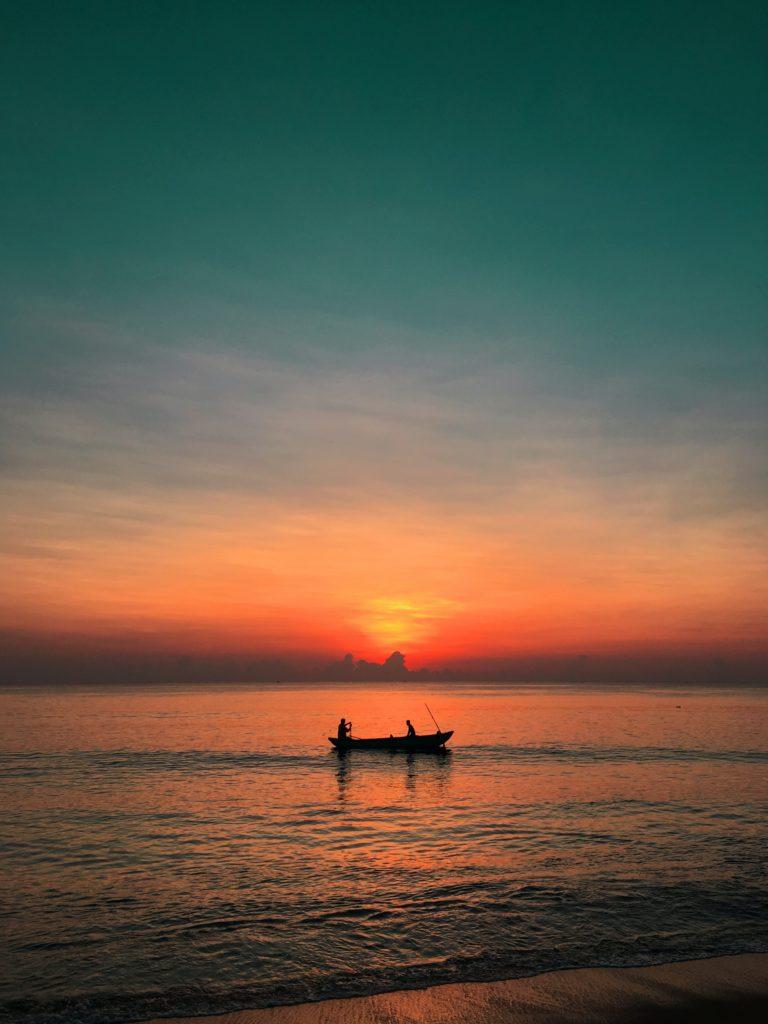 boat fishermen sunset kattankudy sri lanka marine dr