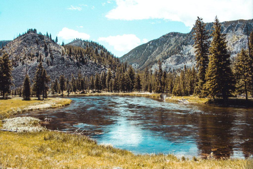 mountains USA National lake Yellowstone Park